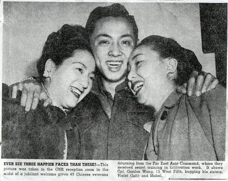 Force 136 member Gordon Wong returns home from the war to Vancouver. The Vancouver Sun newspaper captured his warm greeting from his sisters Violet (L) and Mabel.
