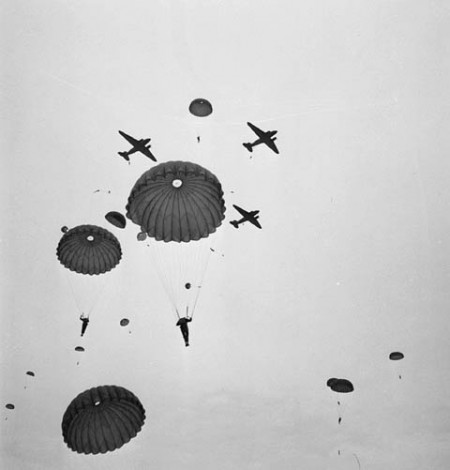Paratroopers of the 1st Canadian Parachute Battalion jumping.
